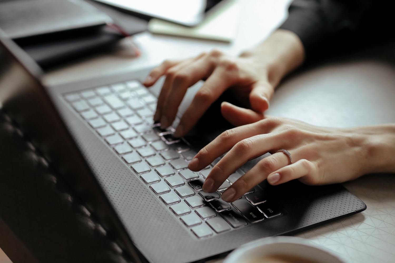 Idealny pomocnik w biznesie. Toshiba Dynabook Portege X30W-J z certyfikatem Intel Evo